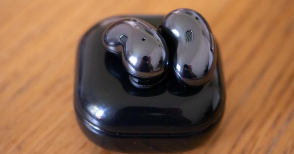 Vi har prøvet Samsungs mærkelige øre-bønner